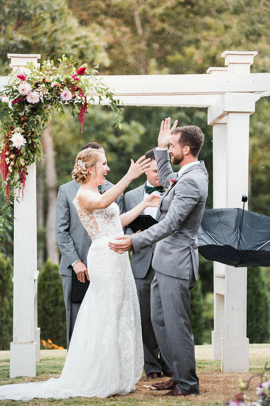 Sweet wedding ceremony near Alpharetta, GA